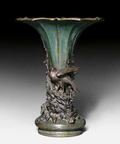 A LARGE BRONZE VASE WITH A SCULPTURAL EAGLE.