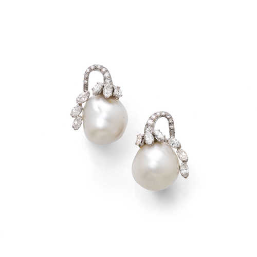 PEARL AND DIAMOND EARCLIPS, ca. 1980.