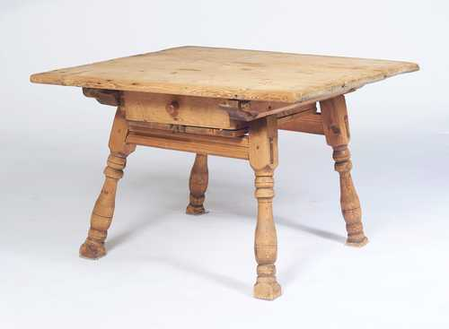 PINE TABLE,