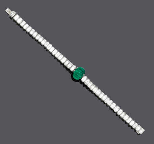 EMERALD AND DIAMOND BRACELET, France, ca. 1980.