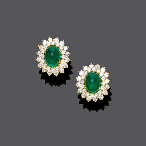 EMERALD AND DIAMOND EARCLIPS.