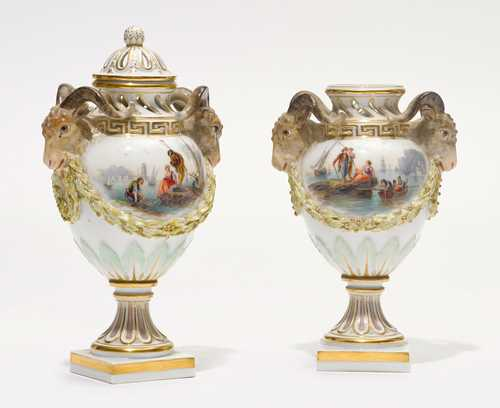 A PAIR OF SMALL CABINET VASES WITH RAM'S HEAD HANDLES,