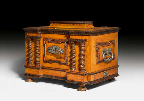 GUILD CASKET OR DOCUMENT STORAGE BOX,