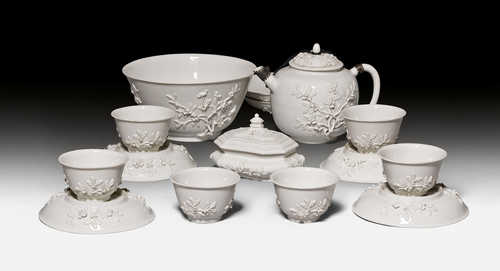 EARLY 'BÖTTGER' PORCELAIN TEA SERVICE,