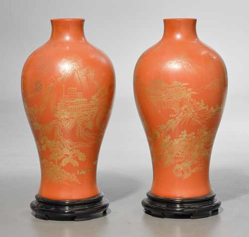 PAIR OF LACQUER VASES.