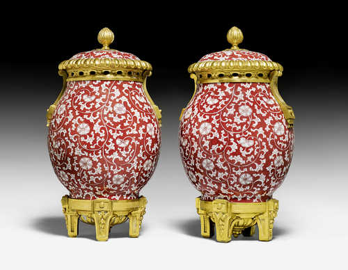 PAIR OF LIDDED VASES WITH BRONZE MOUNTS,
