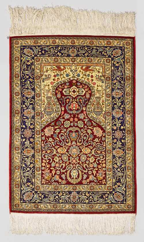 HEREKE SILK PRAYER RUG