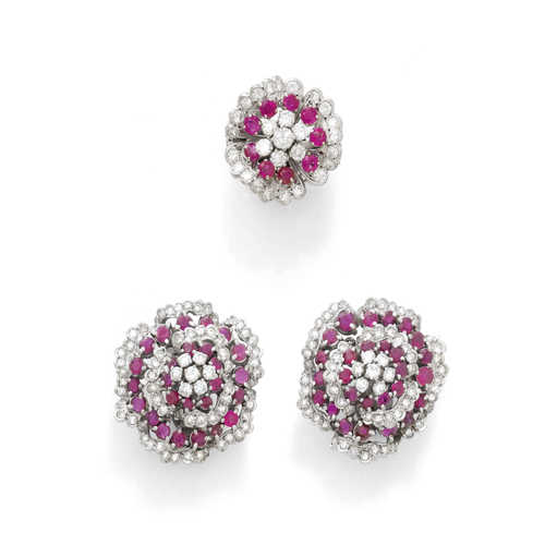 RUBY AND DIAMOND  CLIP EARRINGS WITH RING, ca. 1960.