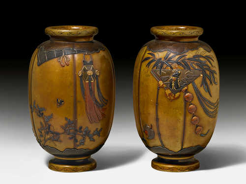 A PAIR OF SENTOKU VASES BY JOMI EISUKE II.