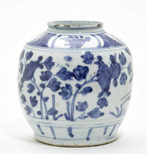 A BLUE AND WHITE JAR.