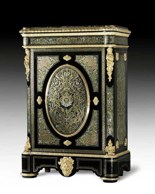 AN IMPORTANT SAFE CABINET WITH IMPERIAL COAT OF ARMS,