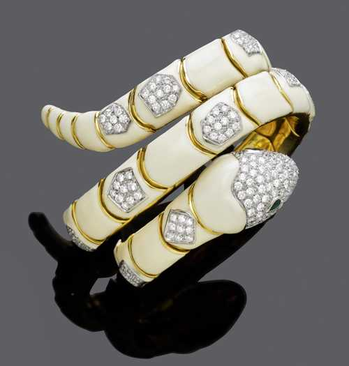 DIAMOND, LACQUER AND GOLD SNAKE BRACELET.