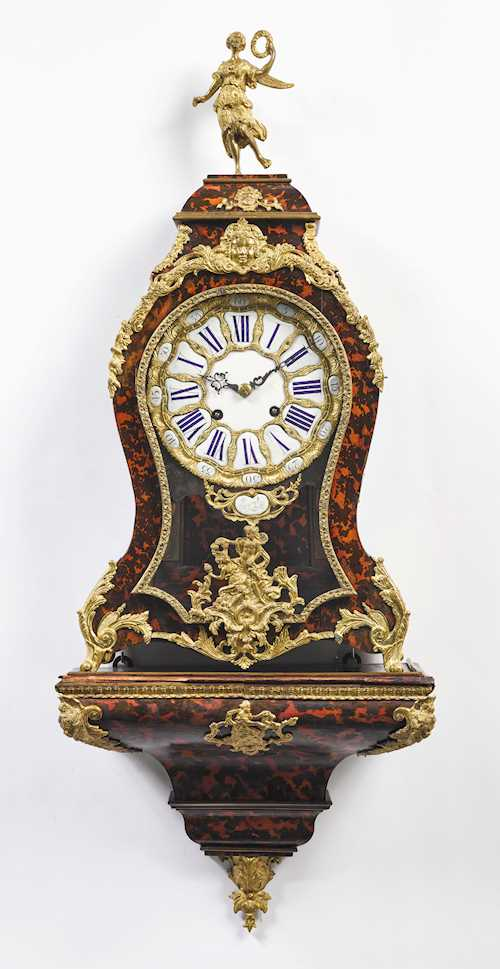 PENDULUM CLOCK ON BASE,