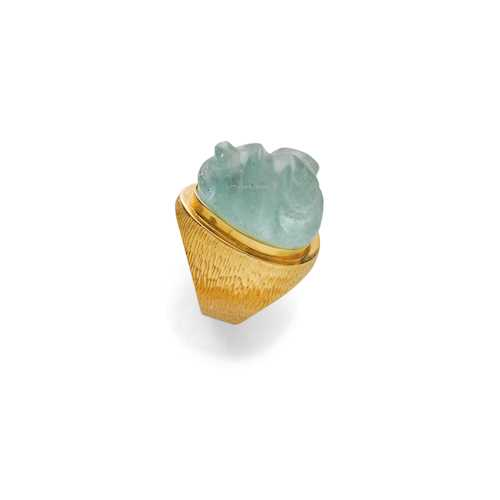 AQUAMARINE AND GOLD RING, probably BY BURLE MARX, ca. 1970.