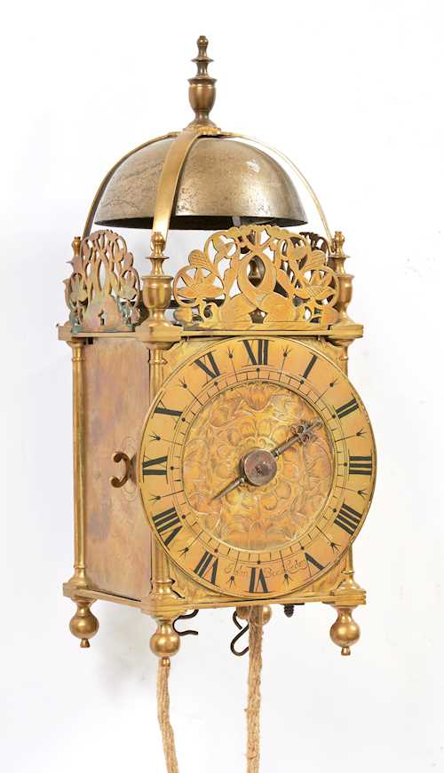"""LANTERN"" CLOCK WITH ONE HAND"
