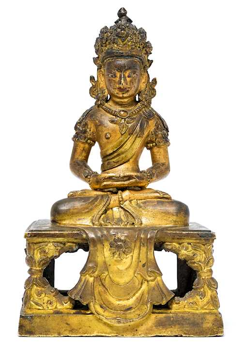 A GILT BRONZE FIGURE OF AMITAYUS.