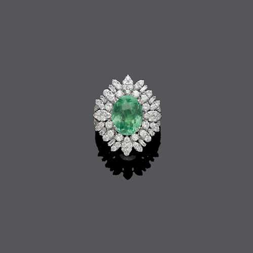 PARAIBA TOURMALINE AND DIAMOND RING.