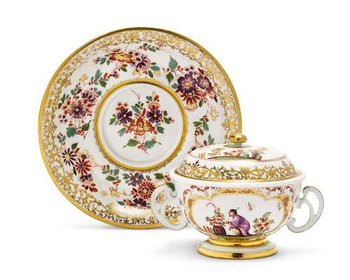 CHINOISERIE ECUELLE WITH LID AND TRAY