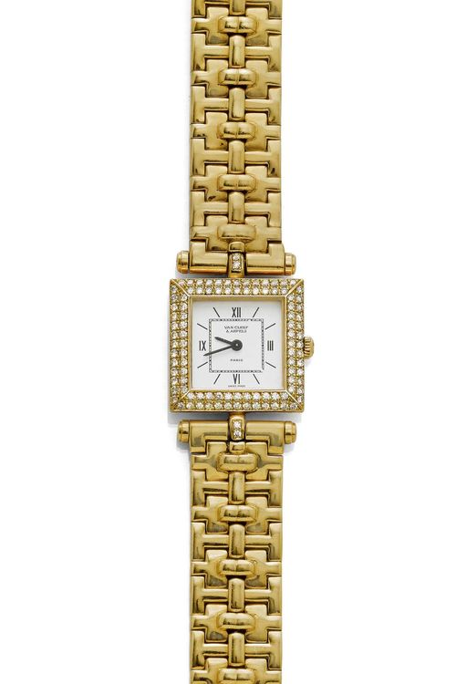 DIAMOND LADY'S WRISTWATCH, VAN CLEEF & ARPELS, ca. 1993. Yellow gold 750, 87g. Ref. 441 681 18645 B2, Classic Collection. Square, flat case No. 90745, with brilliant-cut diamond lunette and attaches weighing ca. 1.00 ct. White dial with Roman numerals and black hands, signed. Quartz movement No. 2551839, Cal. 608, signed. Fine fantasy gold band with fold-over clasp. D 20 mm.